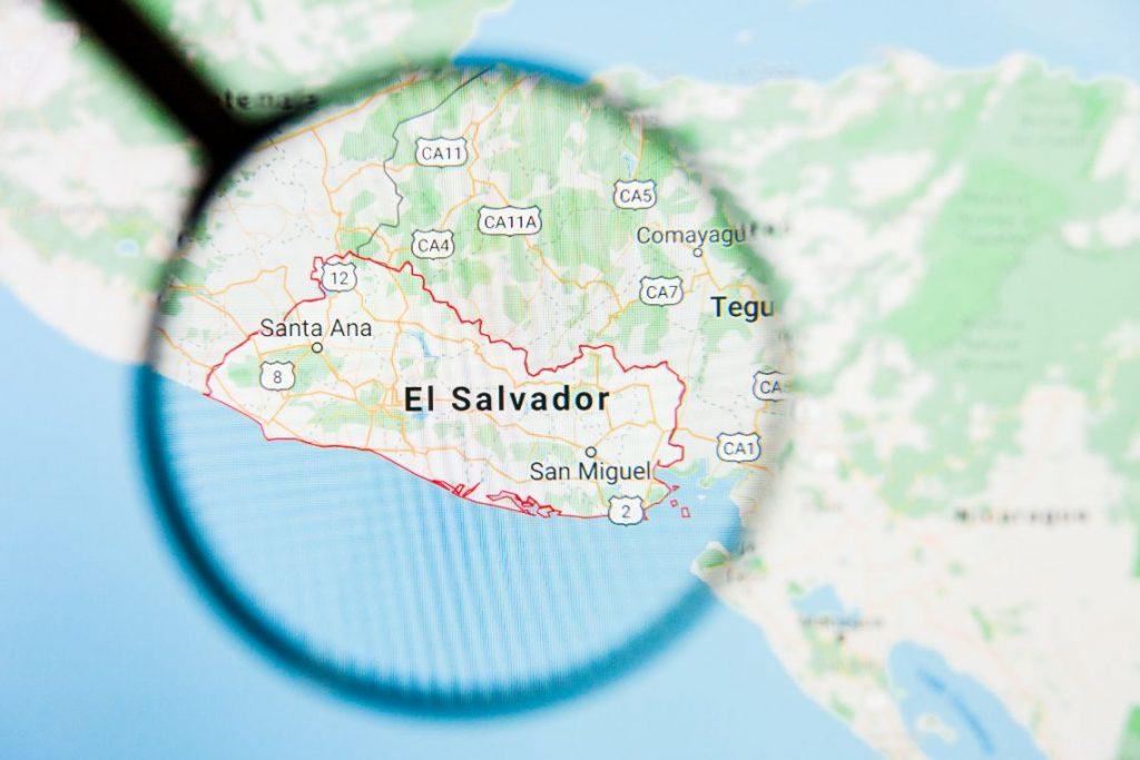 El Salvador, via a progetti blockchain con Algorand